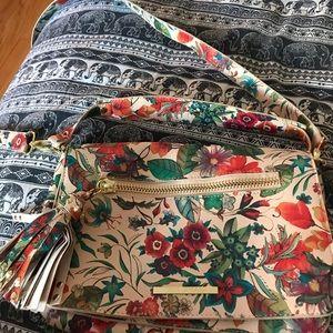 Steve Madden Flower crossbody purse!